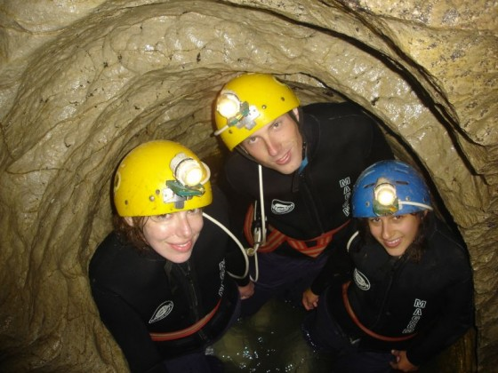 In einer ausgewaschenen Ecke der Waitomo Caves