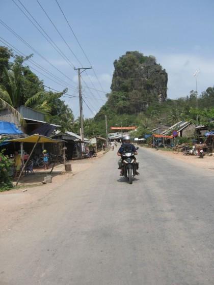 auf demMotorradtaxi an der Grenze bei Ha Tien