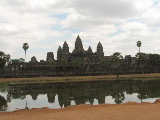 Angkor Wat Tempel vor See