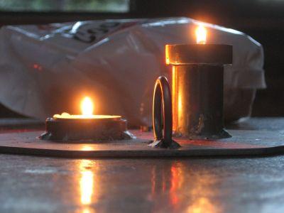 Zwei Kerzen zu Hanukka