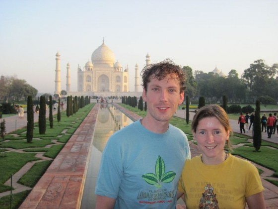 Ich und Martina vor dem Taj Mahal
